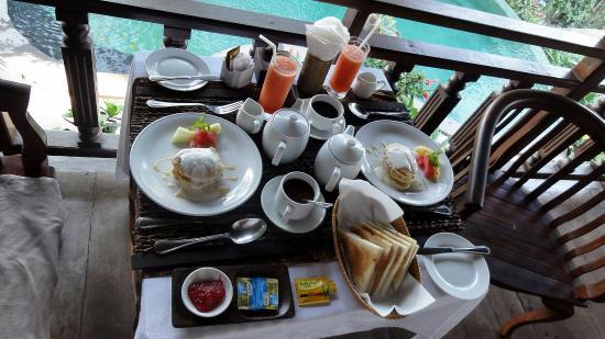 Graha Moding Villas: Breakfast