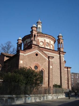 Basilica di sant 39 eustorgio picture of basilica di sant for Piazza sant eustorgio