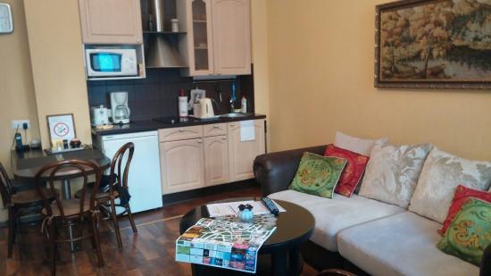 Classic Apartments: 20151024_161244_large.jpg
