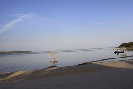 Inharrime, Mozambique : alba dalla casa