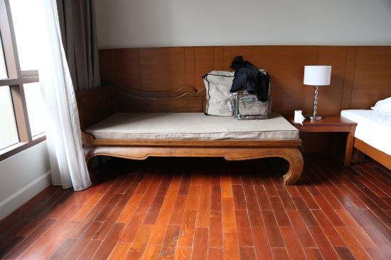 Ban Phai, Tailandia: room