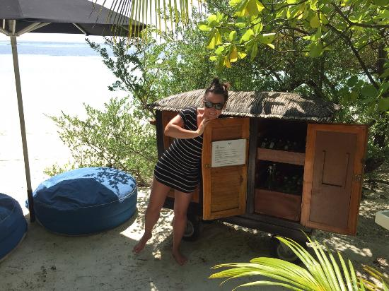 Dhidhoofinolhu Island : We found the secret bar!