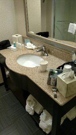 Hampton Inn and Suites Charlotte Airport: IMG_20151114_043622311_large.jpg