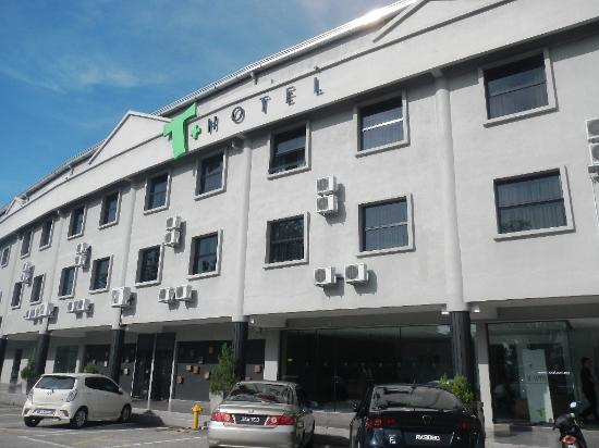 T Hotel Sungai Petani : Outlook of hotel.