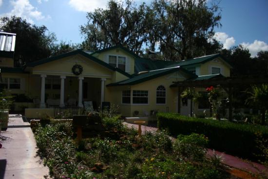 The Lake House: Lake House Außenanlage