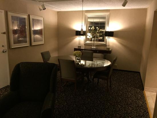 sheraton portland airport hotel picture of sheraton. Black Bedroom Furniture Sets. Home Design Ideas