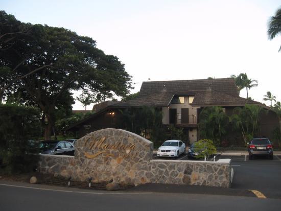 Maalaea Surf Resort: Entrance.