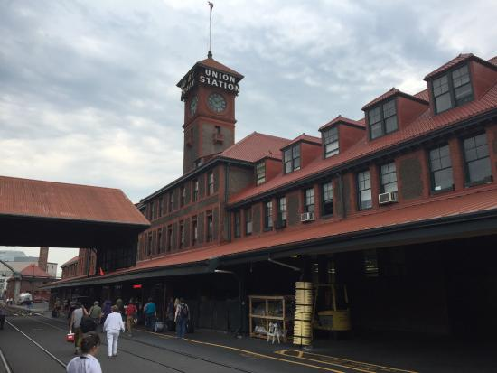 Coast Starlight: arriving in Portland