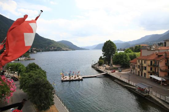 Hotel Ristorante Croce Bianca: Vue de la chambre de jour
