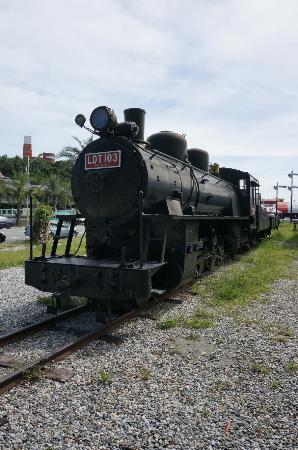 The Remains of East Coast Line Railway: SLに触れることも出来ます