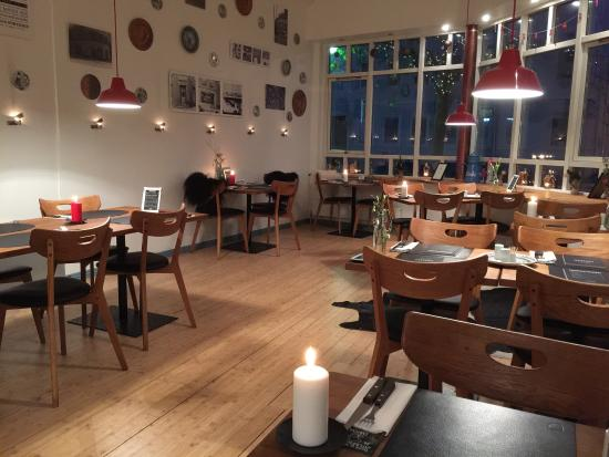 Dansk : Great food. Great service. A must-go-to in Horsens. Passion for food, and friendly service.