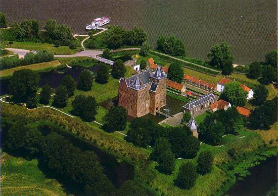Slot loevestein castle free online pogo poker games