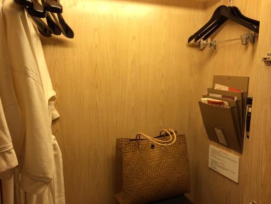 Amari Hua Hin: มีกระเป๋าสานให้ยืม