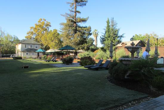 Golden Haven Hot Springs Spa: Gorgeous grounds for relaxing