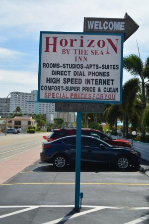 Horizon By The Sea Inn: Sign