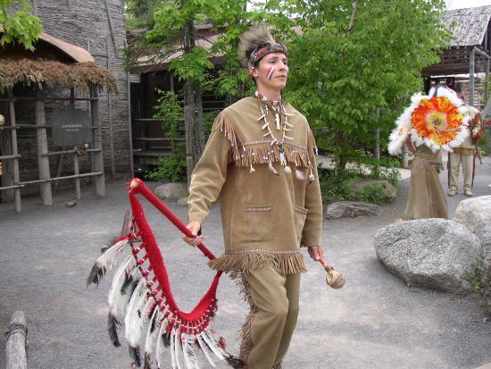 Wendake, Kanada: Leurs costume