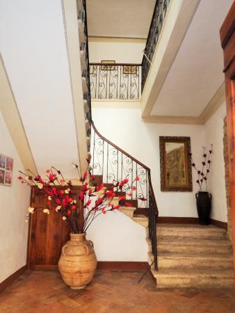 Palazzina Cesira : Entrance Hall