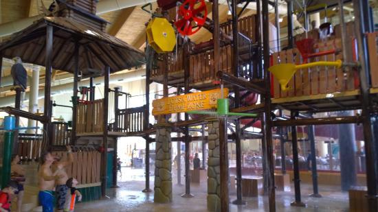 Great Wolf Lodge: water playground