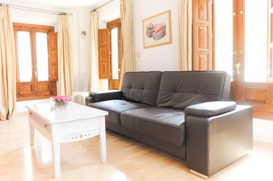 2 leather seater sofa