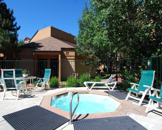 Comfort Inn Near Vail Beaver Creek: Year Round Outdoor Hot Tub