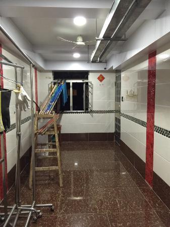 New Peking Guest House: 新装修房间走廊的缩影