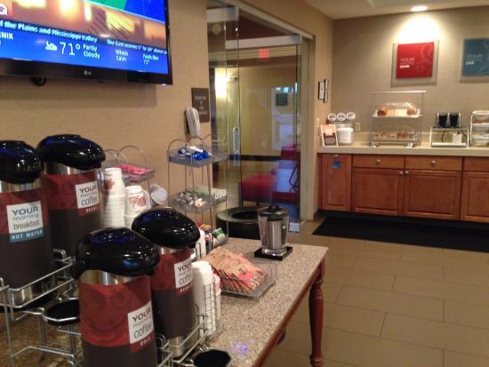 Comfort Suites Mattoon: Breakfast
