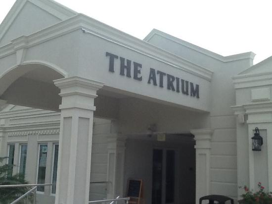 The Atrium Resort: Entrance