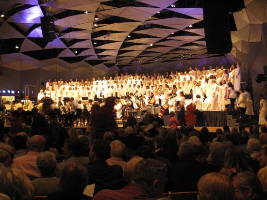 The orchestra and all the singers at Tanglewood in the Shed