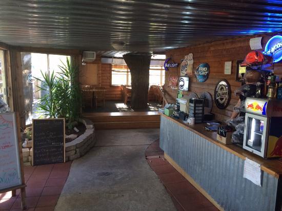Riverside Cafe : Inside view
