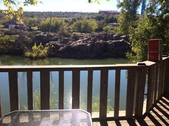 Riverside Cafe : Deck view