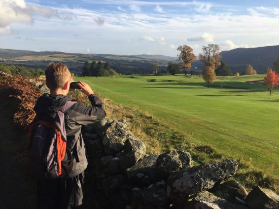 Pitlochry Golf Club House : Lovely walk in the autumn sun...