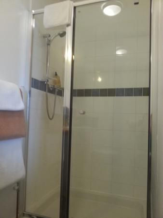 Isle of Jura, UK: walk-in shower