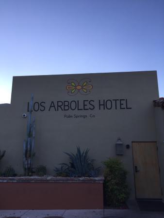 Los Arboles Hotel: photo1.jpg