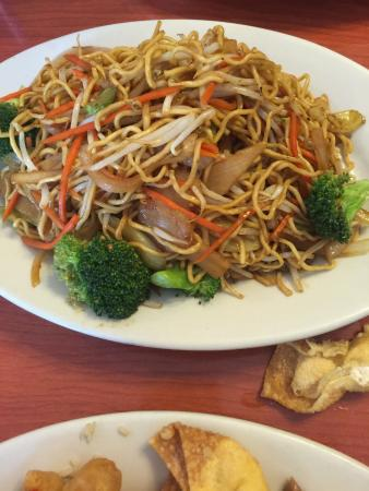 Milton Freewater, OR: vegetable lo mein