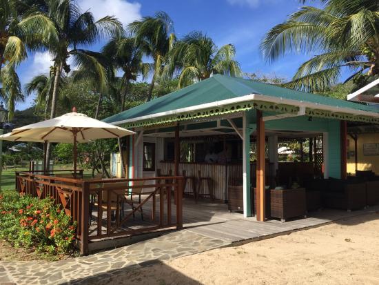 Bagatelle Restaurant: Beachside Bar