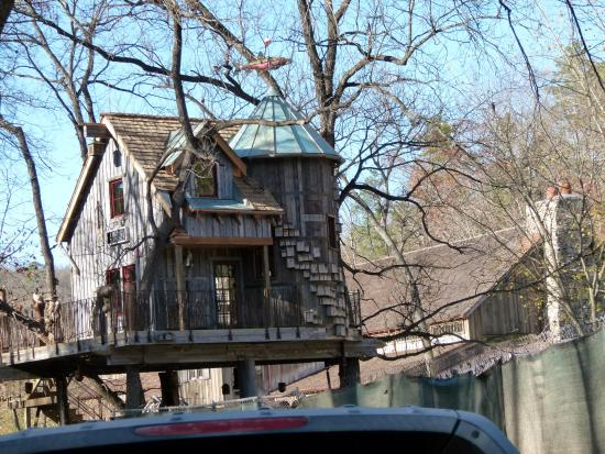 Lampe, MO: Built by the Treehouse Masters, finished 2 weeks ago, to be aired on the 12/18 program