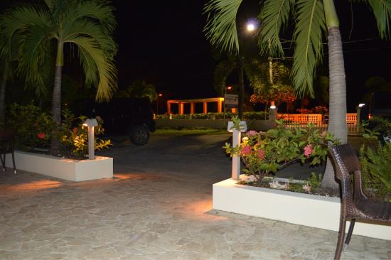 Malecon House: photo1.jpg