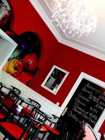 Cafe A La Russe