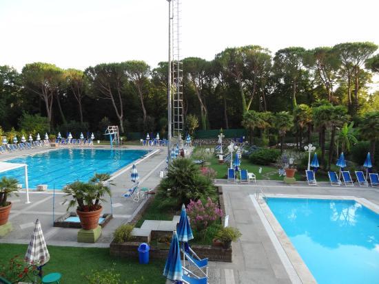 Piscina foto di hotel country club gragnano tripadvisor for Piscina n club