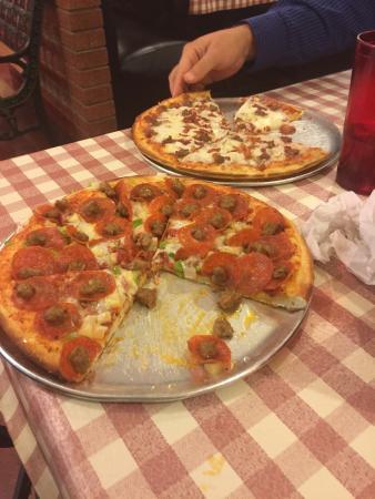 Vinny's New York Pizza: photo0.jpg