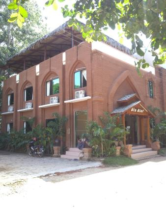 Six Star Guest House