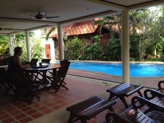 Laguna Villas: large undercover terrace
