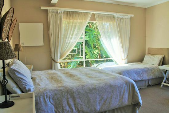 Forest View Guest House: Self-Catering 1 Queen/Single Room