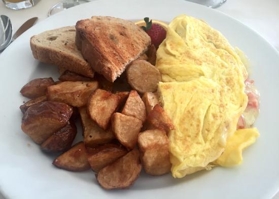 Morgan's Tavern: omelet