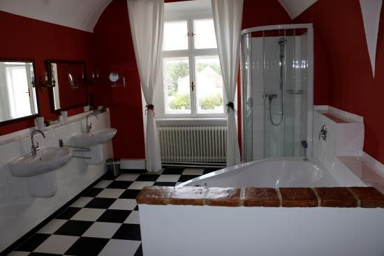 Schlosshotel Mailberg: Hochzeitssuite Badezimmer