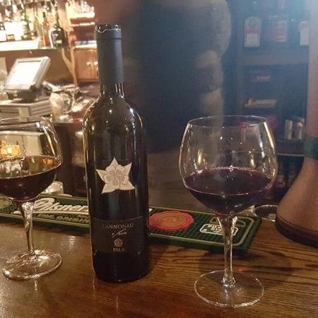Oranmore, Ireland: Lovely Italian Wines by the glass