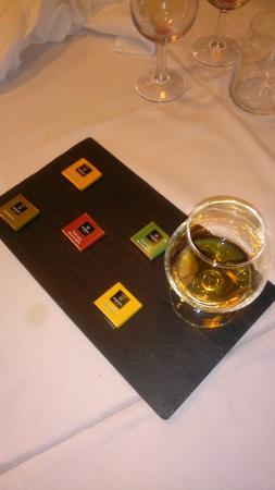 Vicchio, Italia: Degustazione Rum con cioccolota!