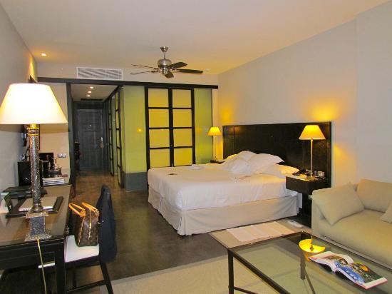Asia Gardens Hotel & Thai Spa, a Royal Hideaway Hotel: La Habitación