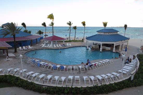 piscina del hotel picture of melia nassau beach all. Black Bedroom Furniture Sets. Home Design Ideas
