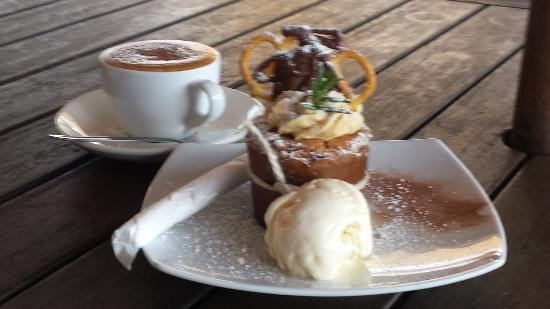Tamborine Mountain, Australia: Muffin, ice cream and coffee
